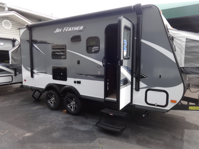 2016 Jayco Jay Feather 17XFD