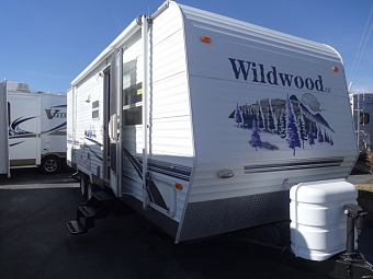 2006 Forest River Wildwood 25BHBS