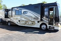 2009 Fleetwood Discovery 40 X
