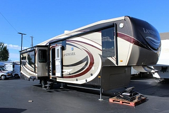 2013 HEARTLAND RV LLC landmark mesa