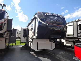 2015 Keystone Alpine 3010RE