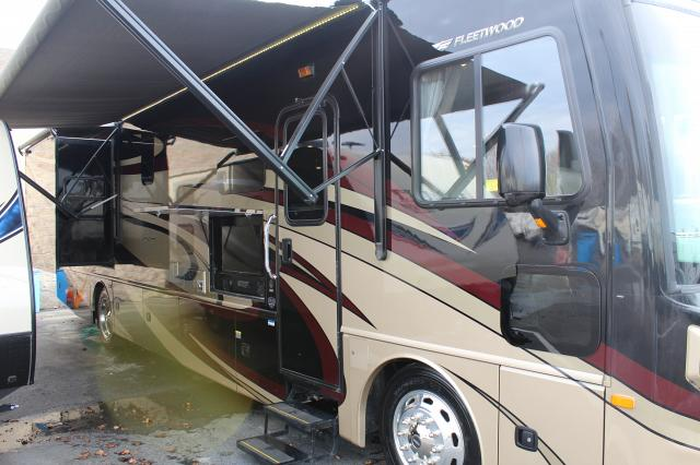 2017 Fleetwood Pace Arrow 36U